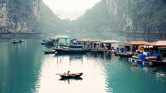 Cua Van fishing village in Halong Bay