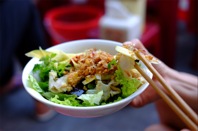 Pha Lau at Con Market