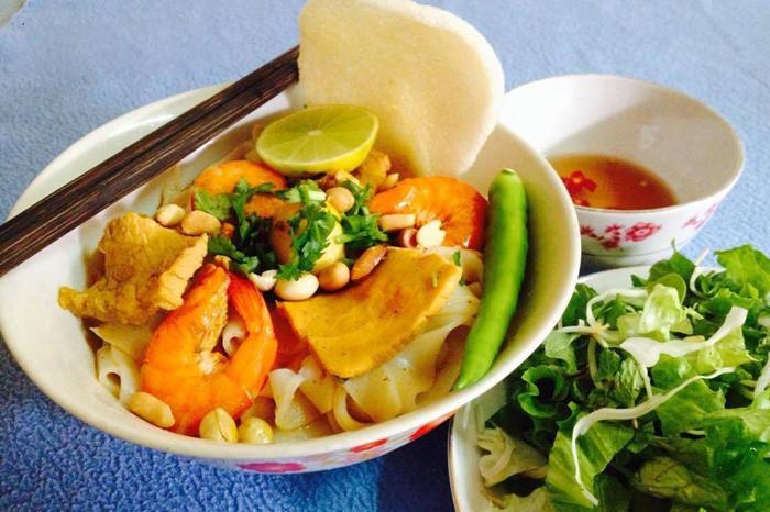 My Quang Noodles at Nguyen Tri Phuong Market