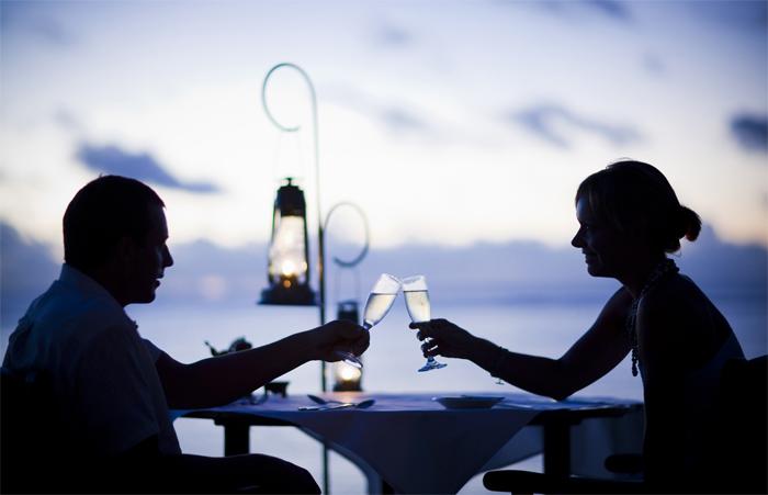 Romantic dinner for honeymooners on Con Dao Island