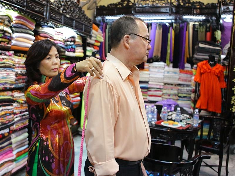 Shopping at ClothShop in Hoi An