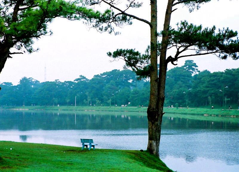 Xuan Huong Lake in Da Lat, Vietnam