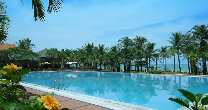 sun-spa-resort-quang-binh-swimming-pool