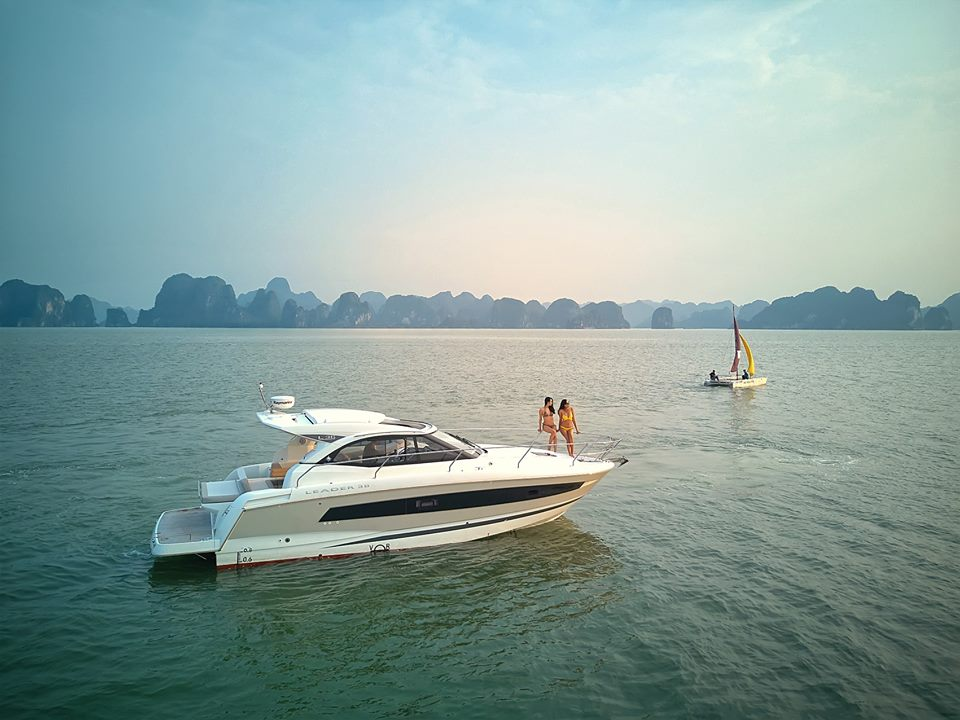 Halong Bay Yacht Tour for Honeymooners