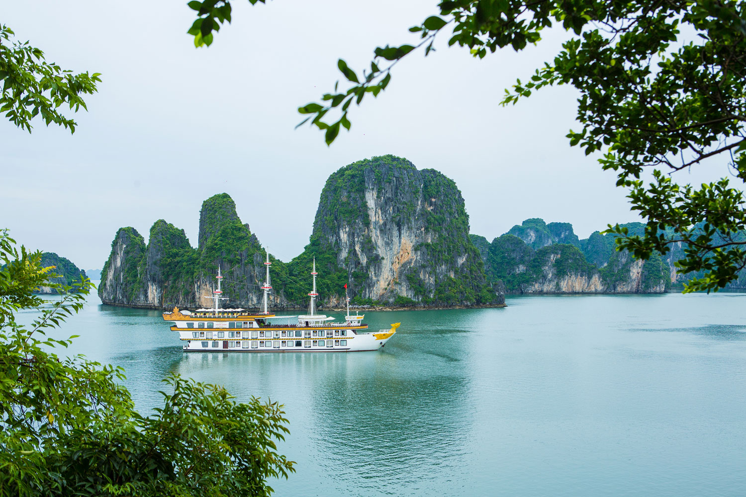 Honeymoon to Halong Bay Cruise Trip