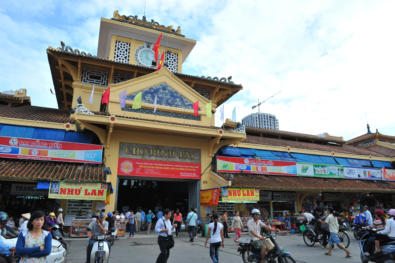 Binh Tay Market in China Town, HCM City