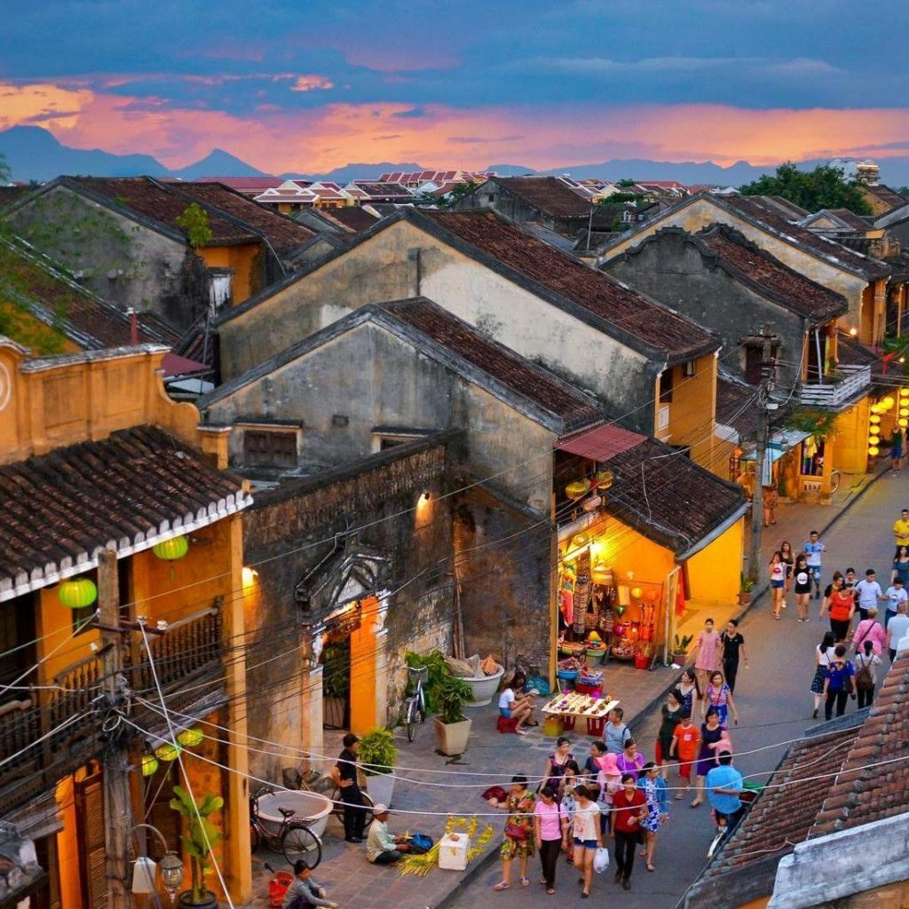 Hoi An Old Town with Antique Attractions