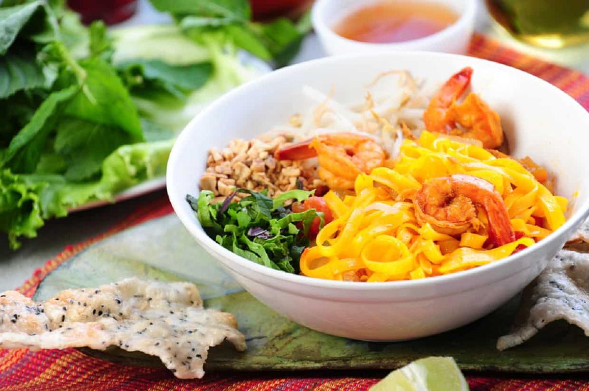 Introduction to Da Nang cuisine - Quang Noodles