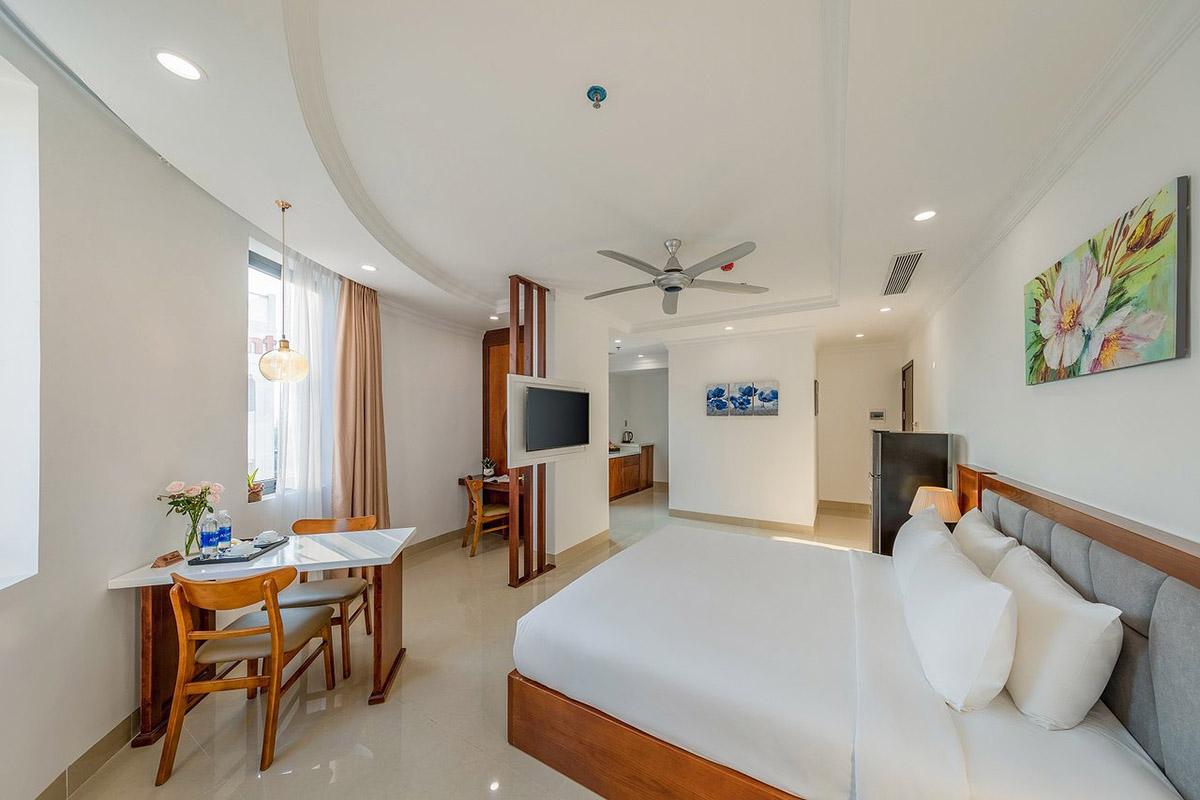 Kiwi Hotel & Apartments in Da Nang